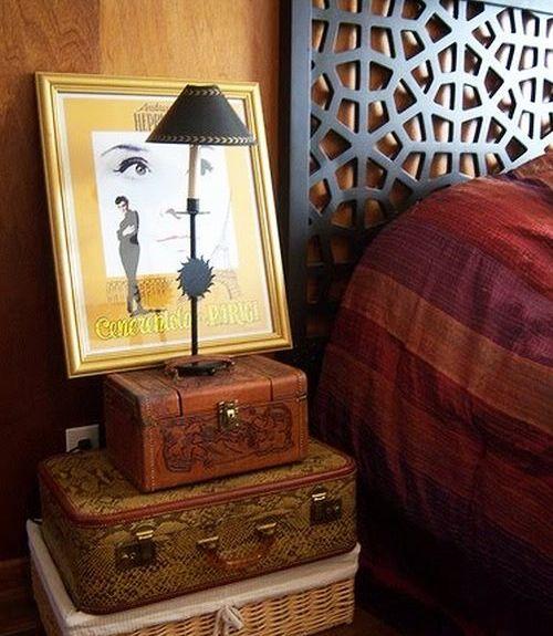 Чемоданы в интерьере спальни фото