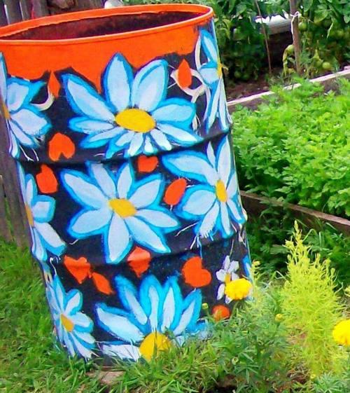 Декор садовых бочек
