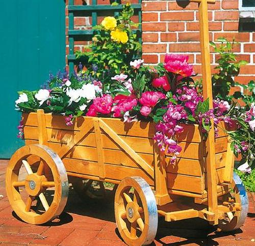 Деревянная телега декоративная под цветы
