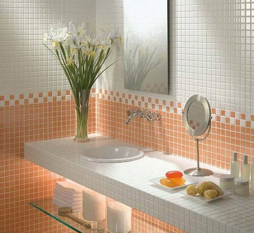 Зеркальная плитка-мозаика в ванной