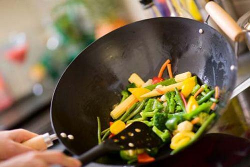Как готовить в скороде вок