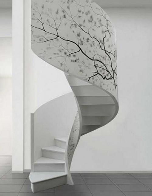 Красивая винтовая лестница