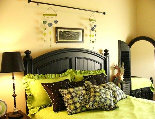 Декор для спальни в зеленом цвете