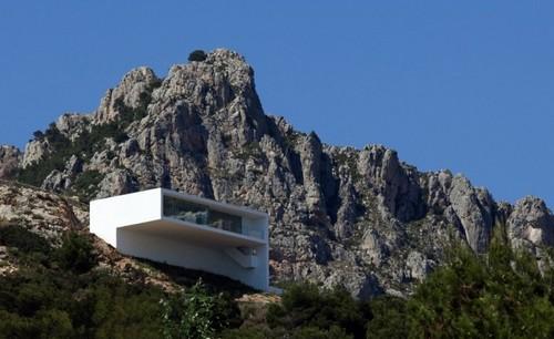 Дом в горах Испании фото