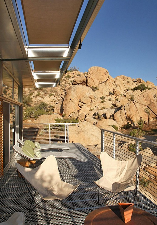 Дом в горах с террасой