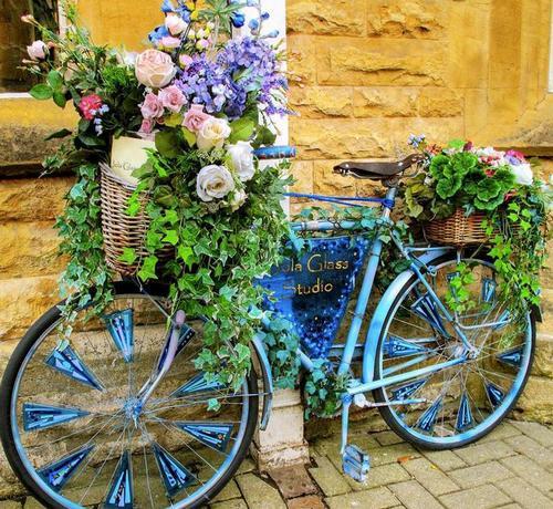 Клумба-велосипед фото