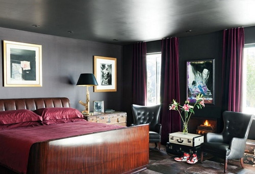 Сочетание бордового цвета в интерьере с черным