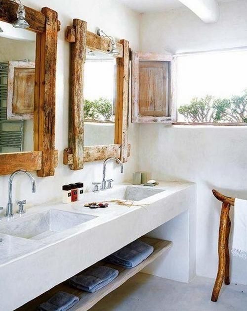 Красивая ванная комната в деревенском стиле