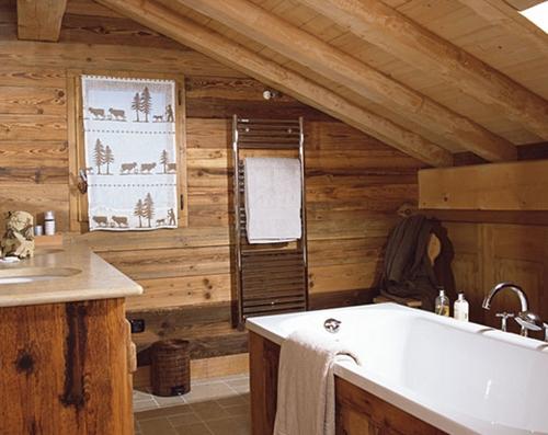 Современная ванная под деревенский стиль