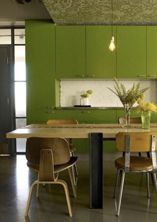 Оливковая кухня в интерьере