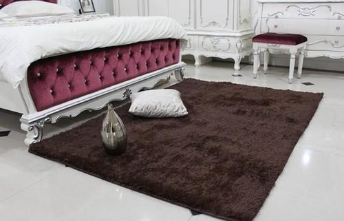 Красивые прикроватные коврики с длинным ворсом