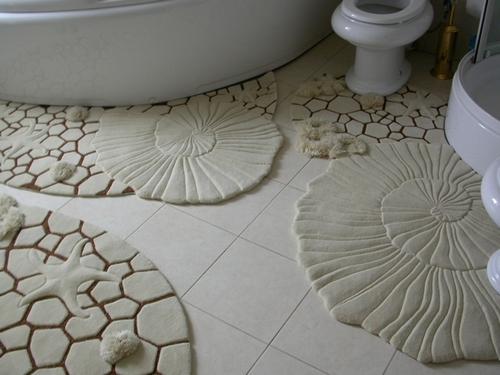 Скульптурные ковры в ванную
