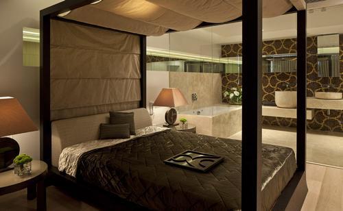 Дизайн спальни совмещенной с ванной комнатой