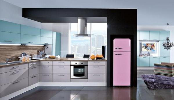 Куда на кухне поставить холодильник