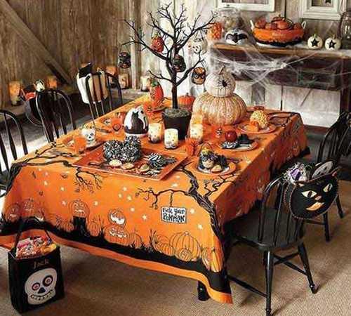 Оранжевая скатерть для Хэллоуина