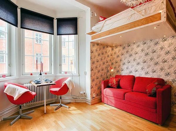 Подвесная кровать в в квартире студии