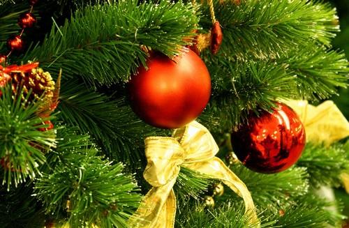 Как украсить елку на Новый год 2014 фото