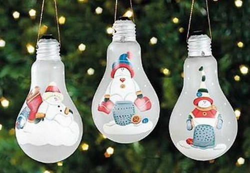 Новогодние игрушки из лампочек фото