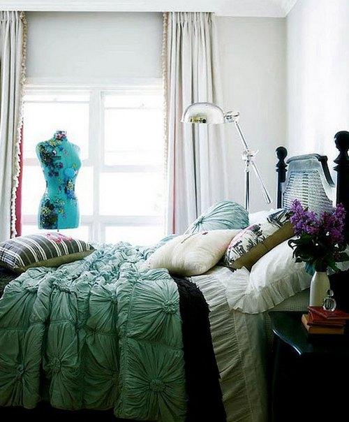 Манекен в спальне фото
