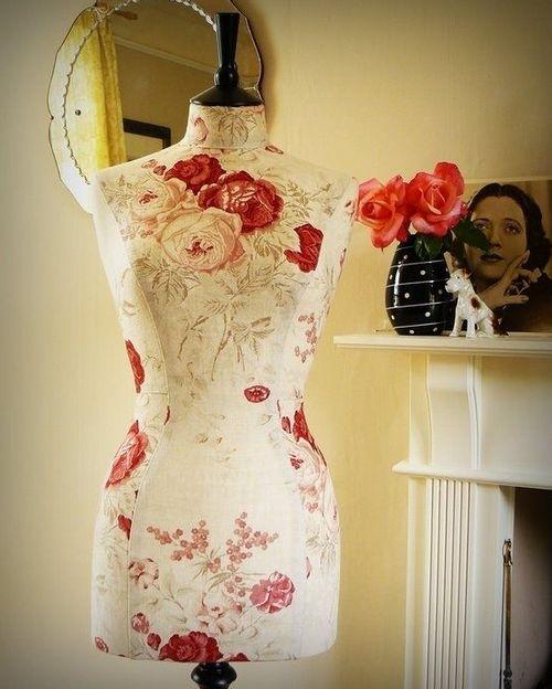 Манекен - идея для хранения летних платьев