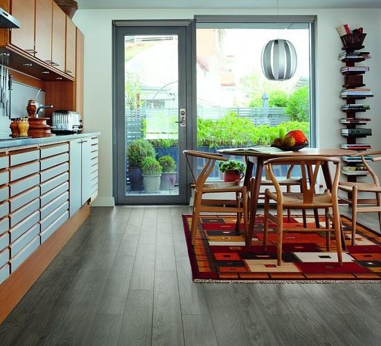 Ламинат серого цвета для кухни
