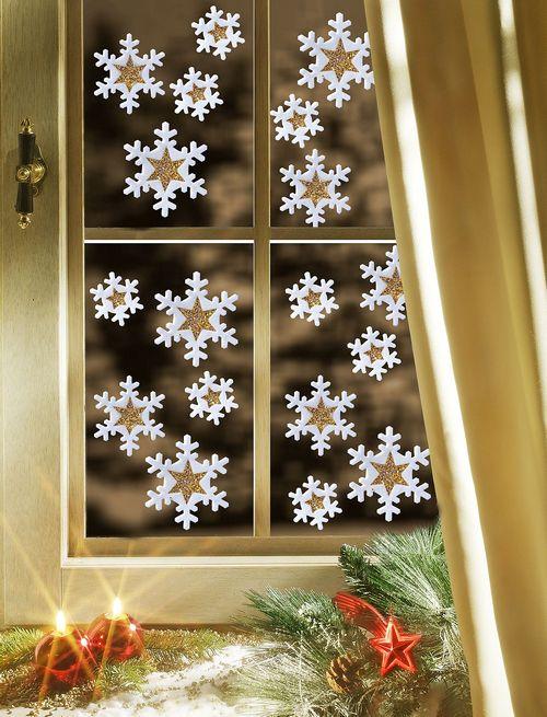 Украшение окна в детской на Новый год