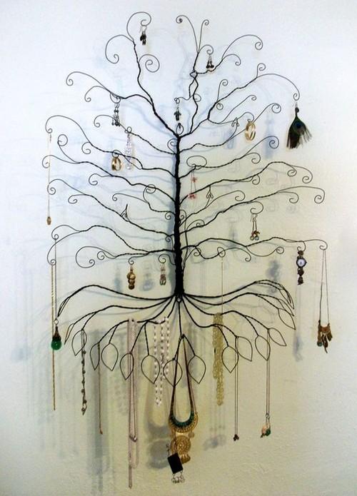 Дерево на стене для хранения бижутерии