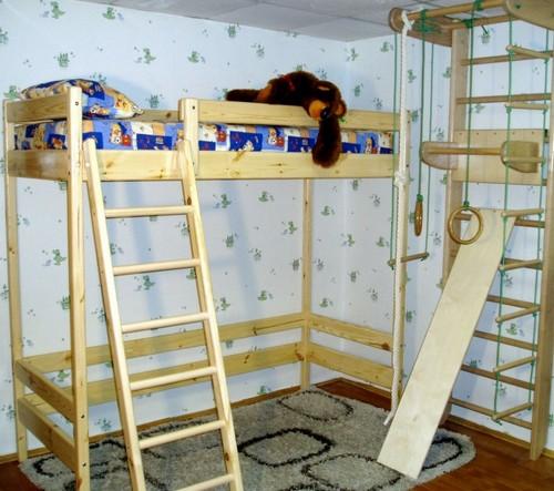Двухъярусная кровать со шведской стенкой