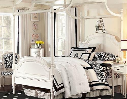 Кровать с балдахином для комнаты девушки