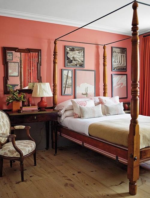 Коралловые стены в интерьере спальни