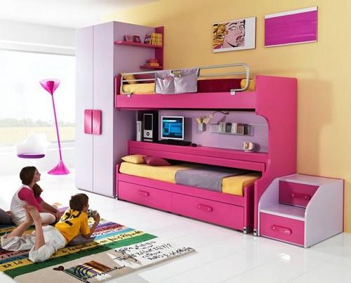 Интерьер маленькой детской комнаты для двоих