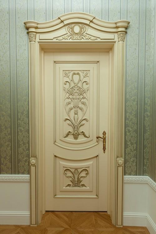 Филенчатые резные двери