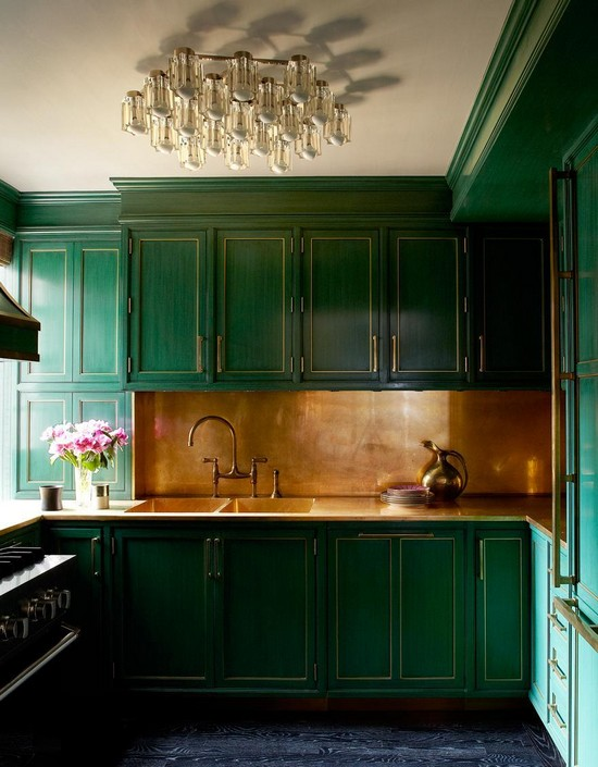Кухня изумрудного цвета фото