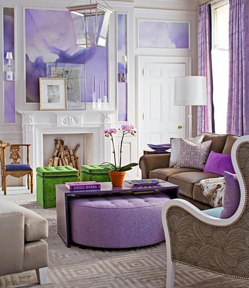 Нежный лавандовый цвет в интерьере гостиной