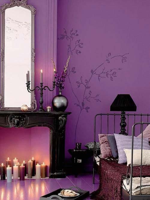 Стены лавандового цвета в спальне
