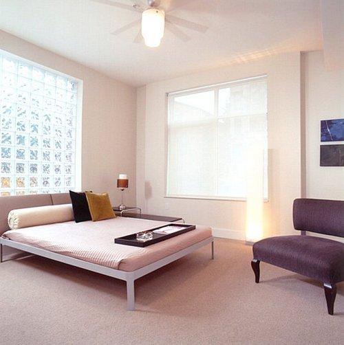 Стеклоблоки с подсветкой в интерьере спальни