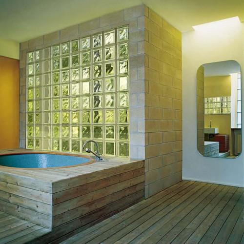 Стена из стеклоблоков для ванной