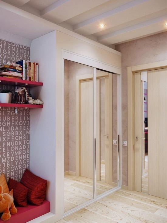 Шкаф в комнате модницы