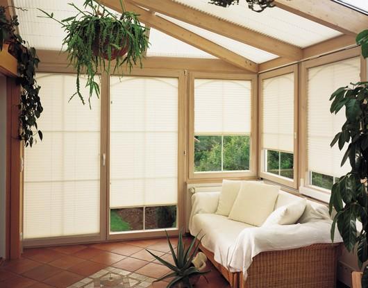 Светонепроницаемые шторы для веранды и террасы
