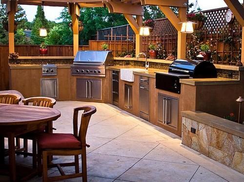 Полноценная кухня на участке фото