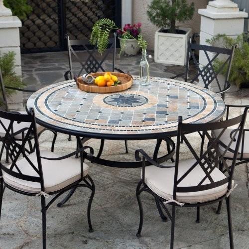 Стол и стулья для уличной обеденной зоны