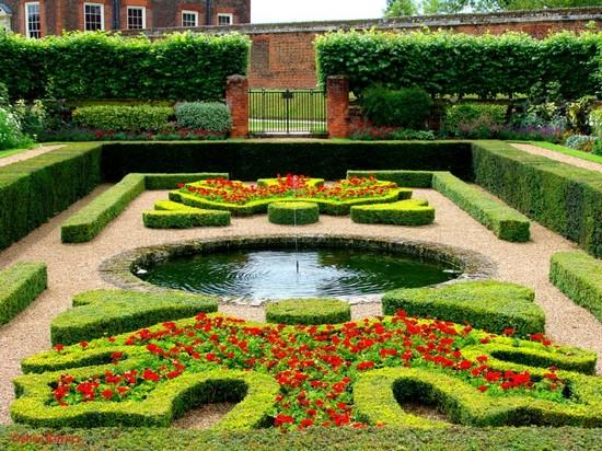 Садовые лабиринты и фонтан фото