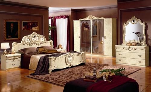 Ковер в спальне возле кровати фото