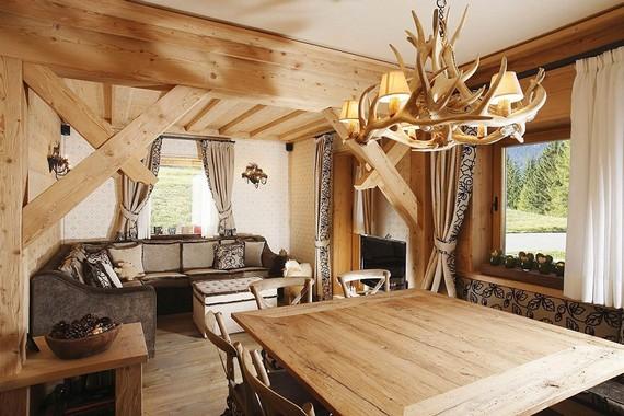 Деревянная люстра для домика в стиле кантри