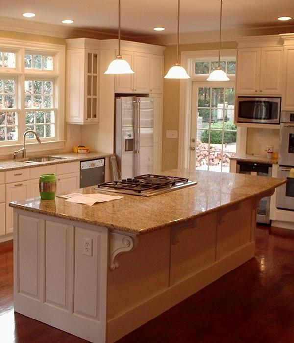 Пол на кухне ламинат