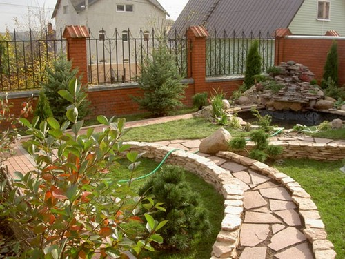 Бордюр из природного камня в ландшафтном дизайне