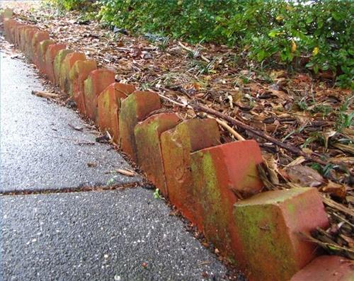 Бордюры садовые из кирпича