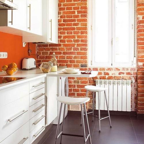 Складной столик для маленькой кухни