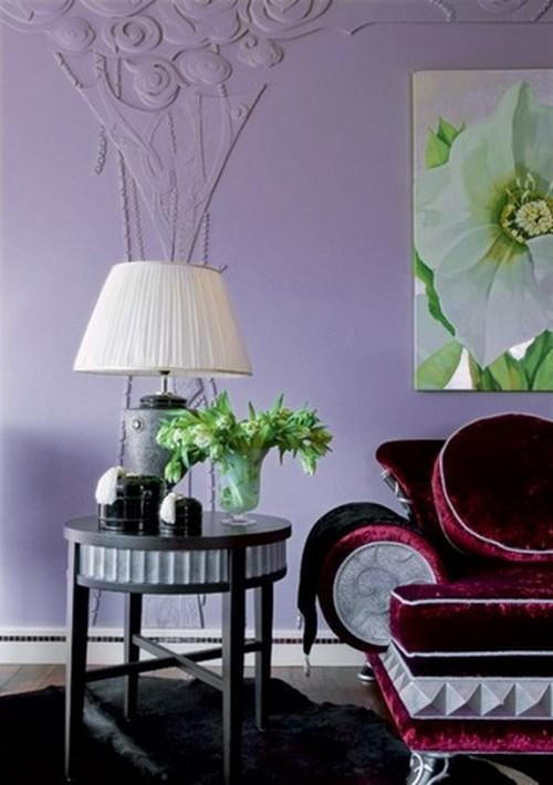 Отделка стен лиловым цветом