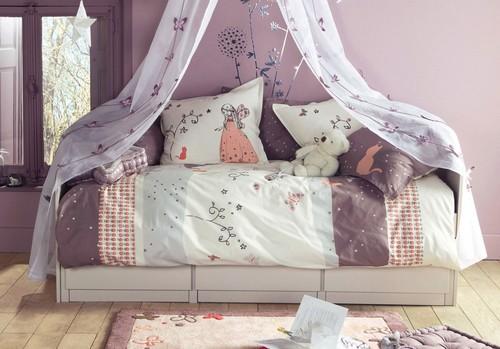 Лиловый цвет в интерьере детской комнаты